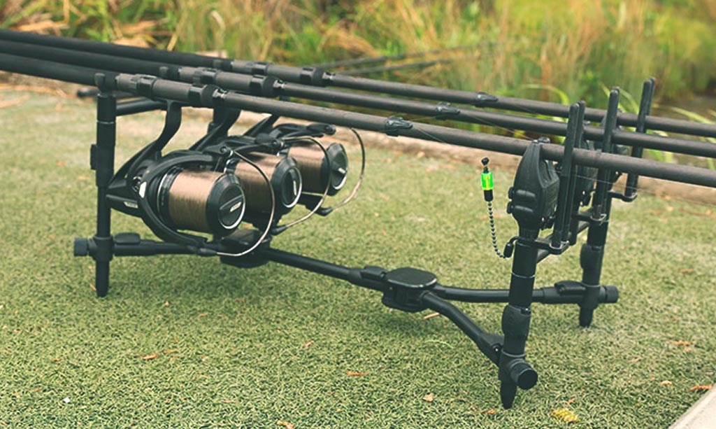 on-s-en-fish-galerie-article-rod-pod-compact-street-fishing-fox-fishing-black-label-compact-pod